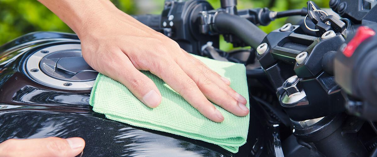 Como lavar a moto